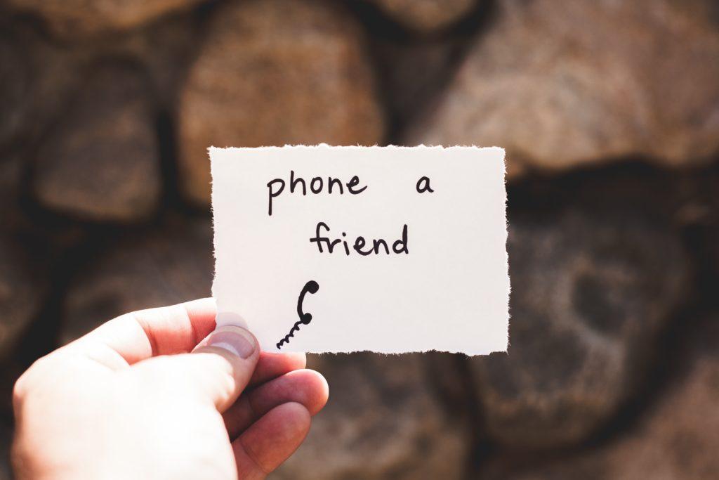 szorongás, hívd fel egy barátodat